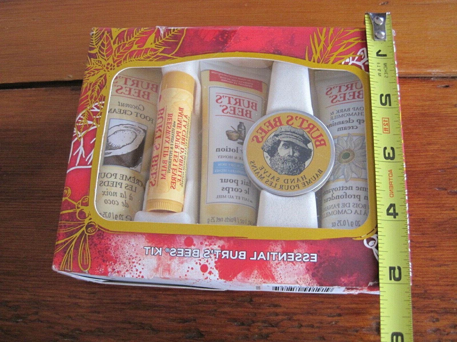 Burt's Set Essentials Gifts Lip Balm Size