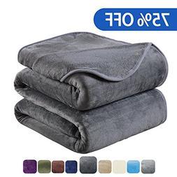 HOZY Soft Blanket Travel Size Fleece Warm Fuzzy Throw Blanke