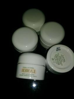 La Mer - The moisturizing cream. Travel size 5@ 2ml