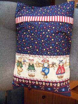 TRAVEL SIZE PILLOW CASE DANCING CHRISTMAS BEARS W/BAND/ CUFF